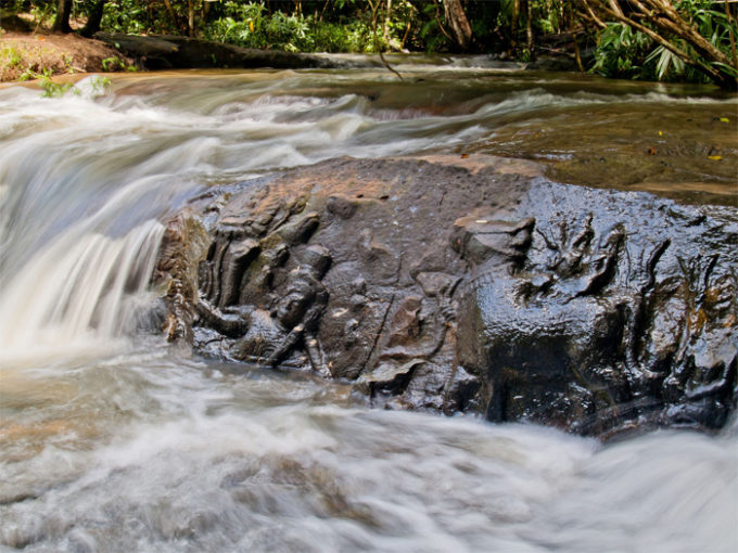 Kbal Spean 1000 Lingas River is locted 50km to the northeast of Siem Reap