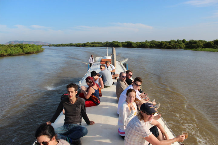 Boat trip from Siem Reap to Phnom Penh