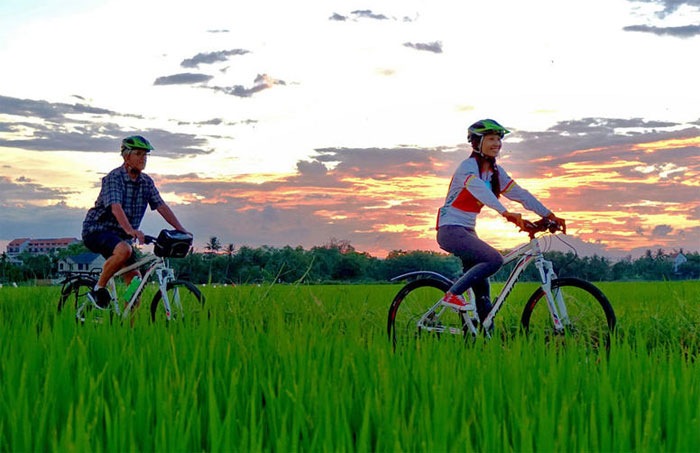 Biking tour Cambodia