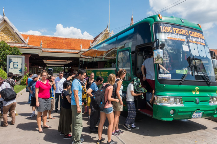 Take the bus from Ho Chi MinH City to Phnom Penh Cambodia