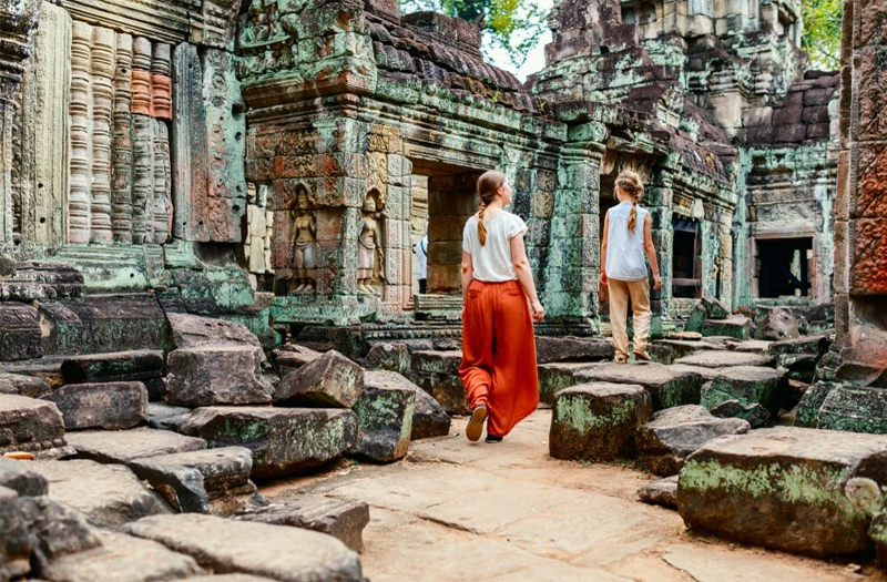 Get more discovery with small group tour to Cambodia