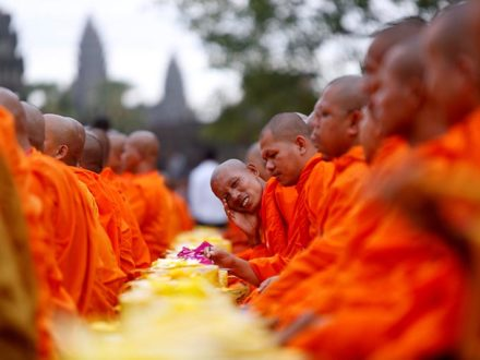 Cambodia Tour 13 Days: Buddhist Monks